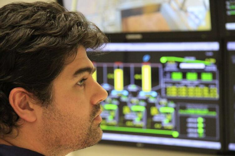 technologies-specialist90f0165489486598a7a3ff00003987e2.jpg#asset:1203